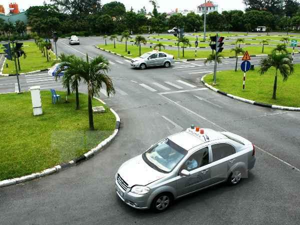 học lái xe ô tô hạng b2 đảm bảo